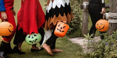 Twins Halloween Costumes – Dress for Success!